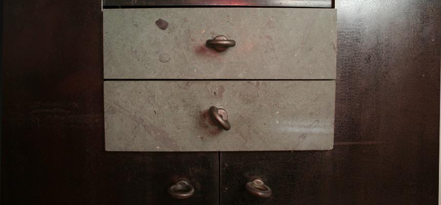 http://www.topdraft.de/design/wp-content/uploads/Laubersheimer_chest_1.jpg